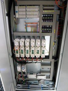 Hardware-Schaltschrank-2